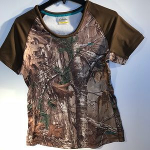 Cabela's Large camouflage insulated outside top